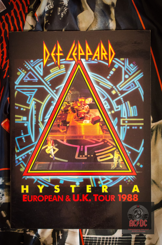 Программа тура Def Leppard из коллекции президента фан-клуба AC/DC в России