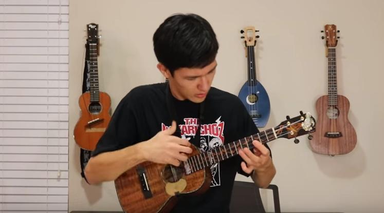Thunderstruck на укулеле